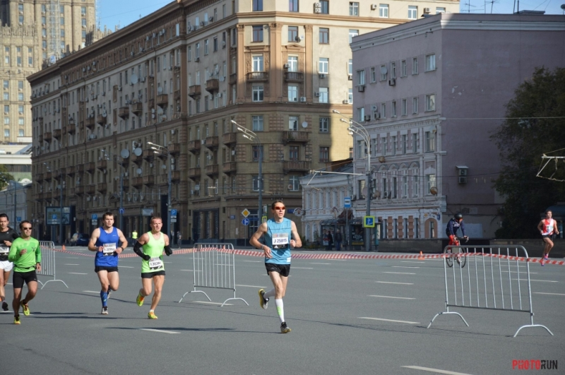 5th-km-at-moscow-marathon-2016